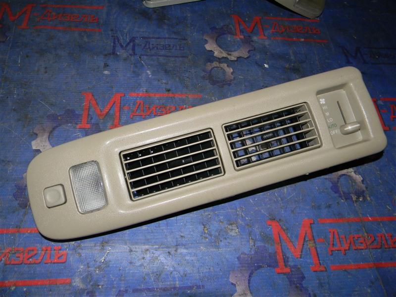 Дефлектор воздушный Toyota Grand Hiace VCH10 5VZ-FE 2001 левый