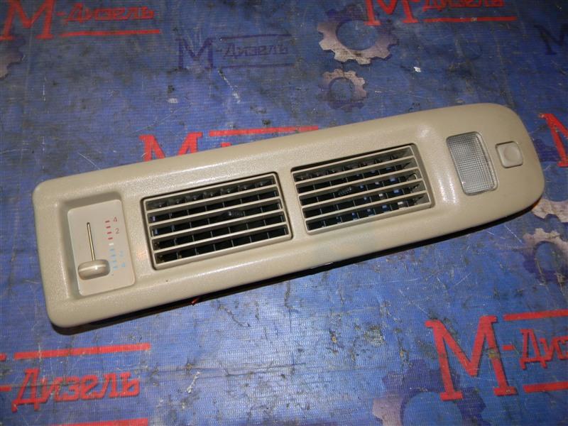 Дефлектор воздушный Toyota Granvia VCH10 5VZ-FE 2001 правый