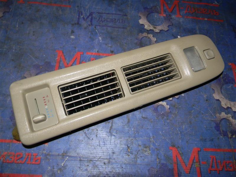 Дефлектор воздушный Toyota Grand Hiace VCH10 5VZ-FE 2001 правый