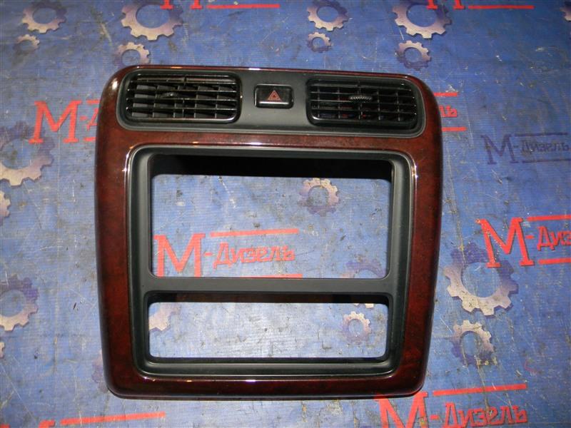 Рамка магнитофона Toyota Granvia VCH10 5VZ-FE 2001