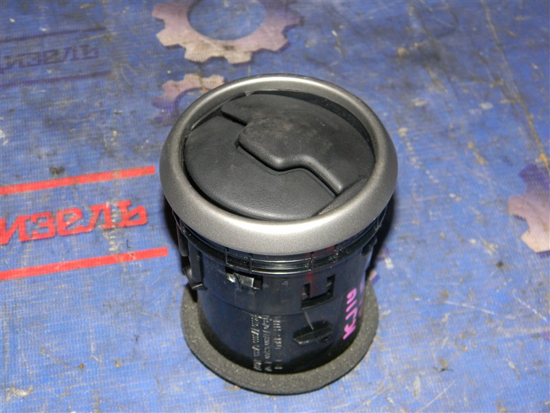 Дефлектор воздушный Nissan Qashqai KJ10 MR20DE 2011