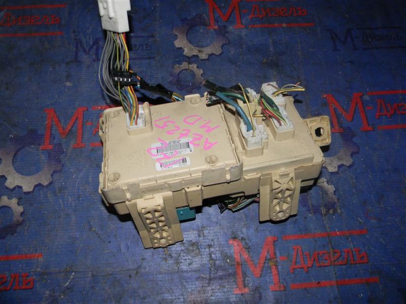 Блок предохранителей Toyota Avensis AZT251 2AZ-FSE 2007