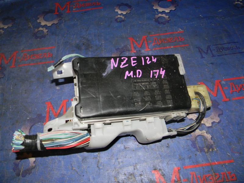 Блок предохранителей Toyota Corolla NZE124 1NZ-FE 2000