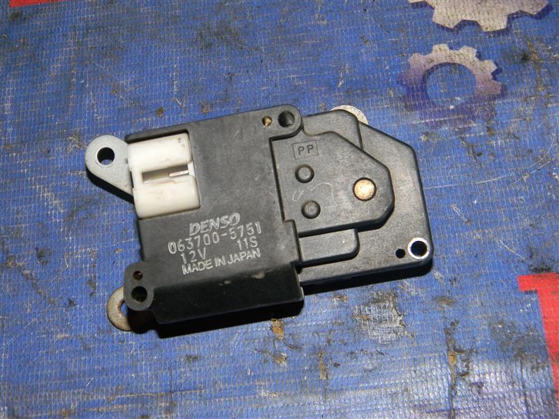 Привод заслонок отопителя Toyota Corolla AE110 5A-FE 1998
