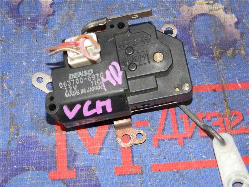 Привод заслонок отопителя Toyota Granvia VCH10 5VZ-FE 2001
