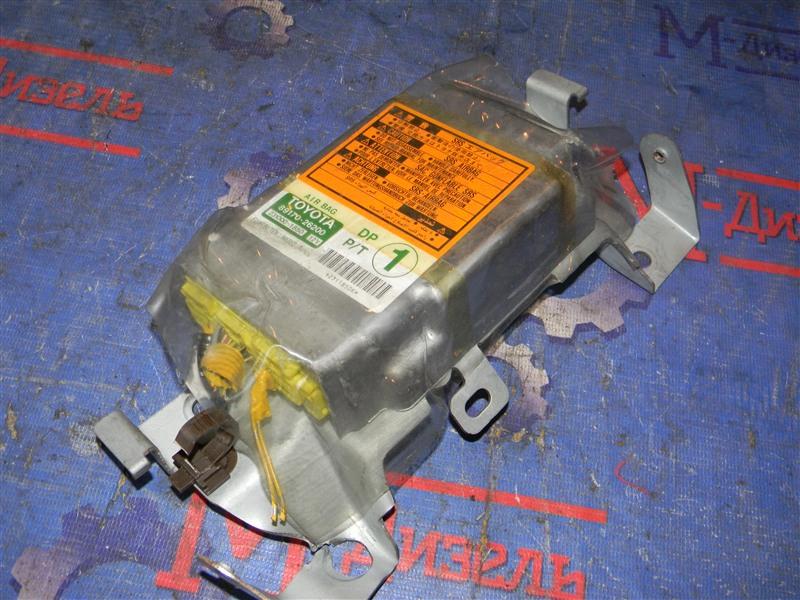 Блок управления airbag Toyota Granvia VCH10 5VZ-FE 2001