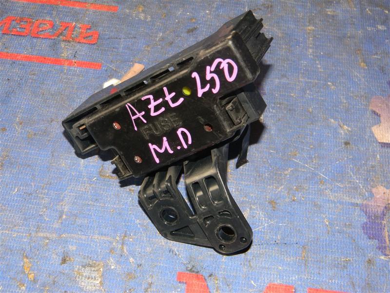Блок предохранителей Toyota Avensis AZT250 1AZ-FSE 2007