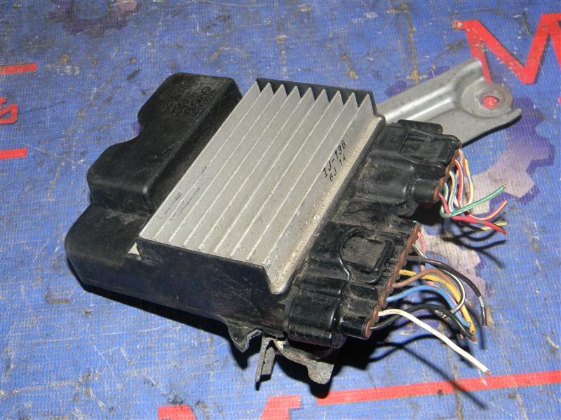 Блок управления Toyota Avensis AZT250 1AZ-FSE 2007