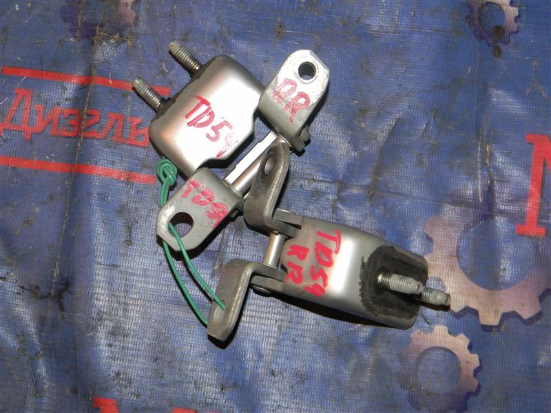 Петля дверная Suzuki Grand Vitara TD54W J20A 2006 задняя правая