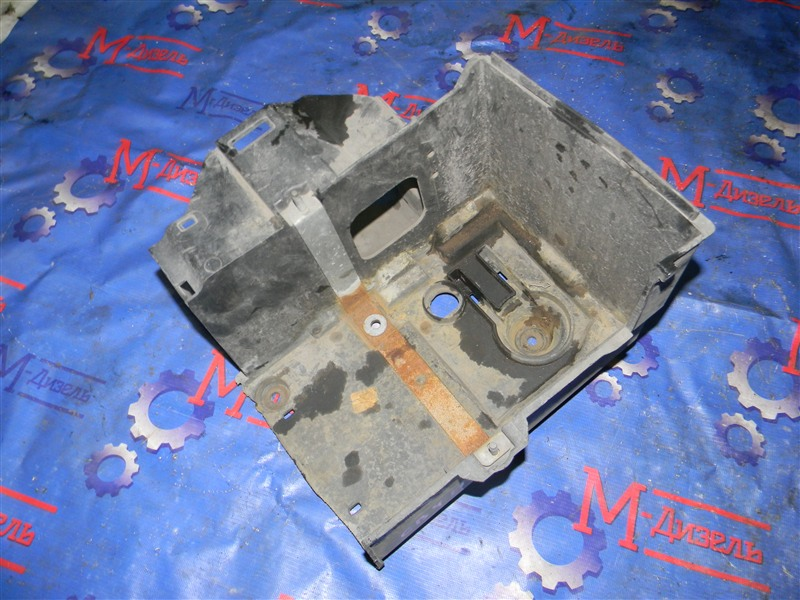 Крепление аккумулятора Ford Focus CB4 SIDA 2008