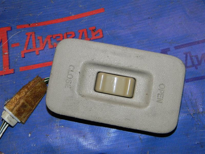 Кнопки в салон Toyota Grand Hiace VCH10 5VZ-FE 2001