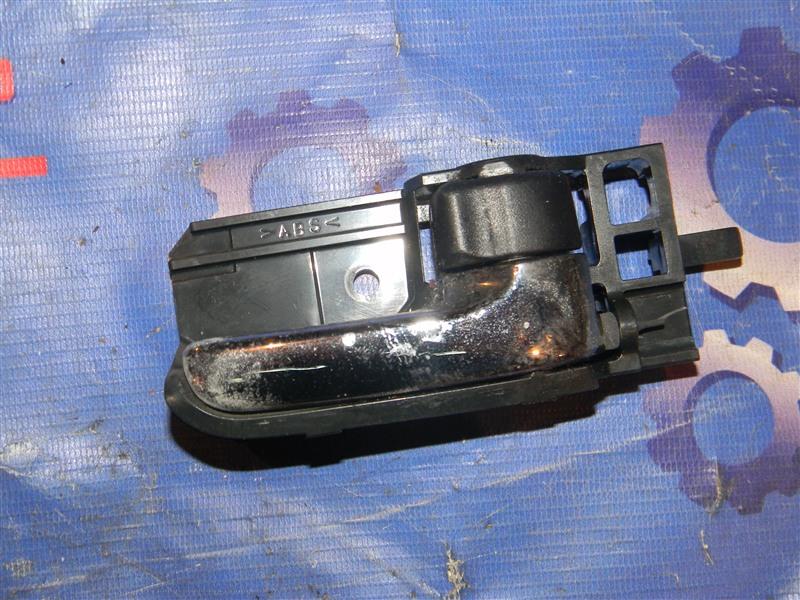 Ручка внутренняя Toyota Corolla NZE121 1NZ-FE 2002 задняя правая