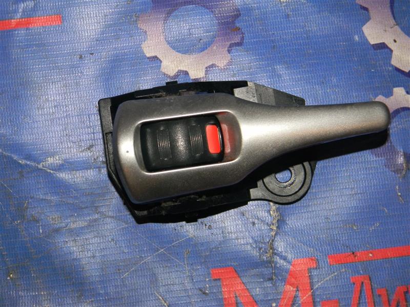 Ручка внутренняя Toyota Auris NZE151 1NZ-FE 2008 задняя левая