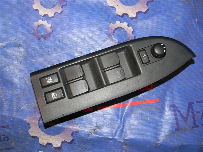 Блок управления стеклоподъемниками Suzuki Grand Vitara TD54W J20A 2006 передний правый