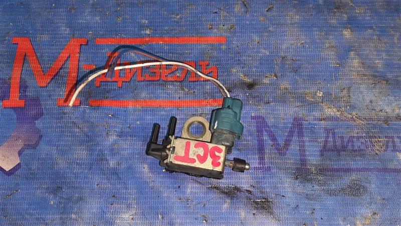 Датчик вакуумный Toyota Vista CV40 3C-T 1996