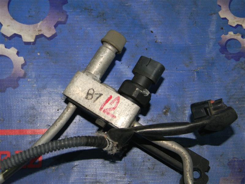 Датчик давления в системе кондиционирования Toyota Rav4 ACA31 2AZ-FE 2006