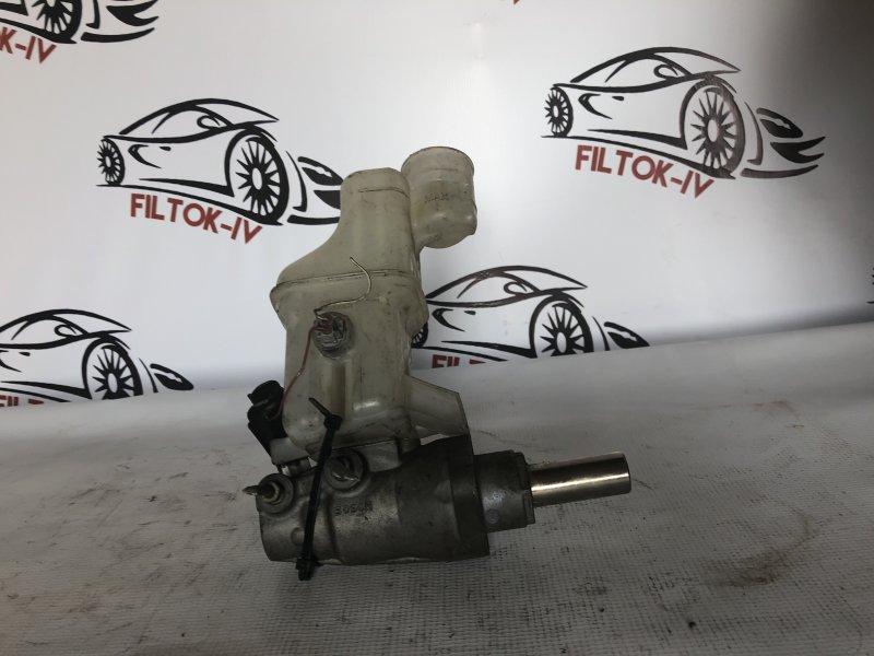 Главный тормозной цилиндр Toyota Kluger L MCU20