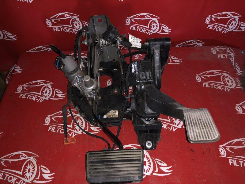 Педаль Chevrolet Tahoe GMT900
