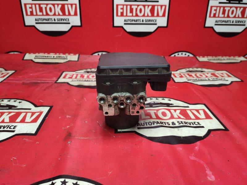Блок abs Toyota Highlander GSU45 2GRFE