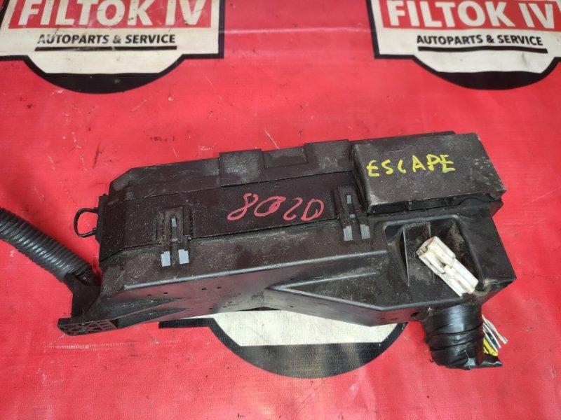 Блок предохранителей Ford Escape R3 2008