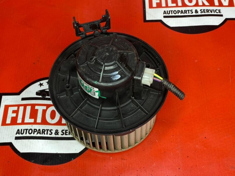 Мотор печки Ford Escape R3