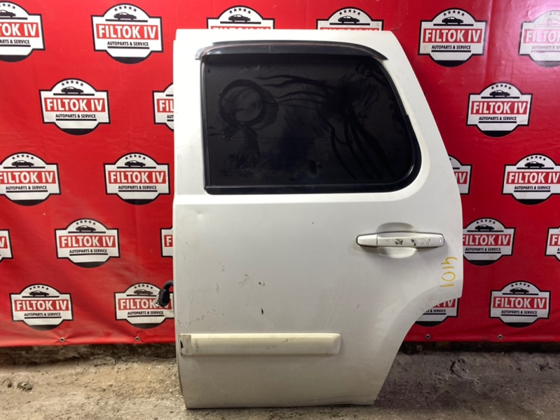 Дверь боковая Chevrolet Tahoe GMT900 LY5 задняя левая