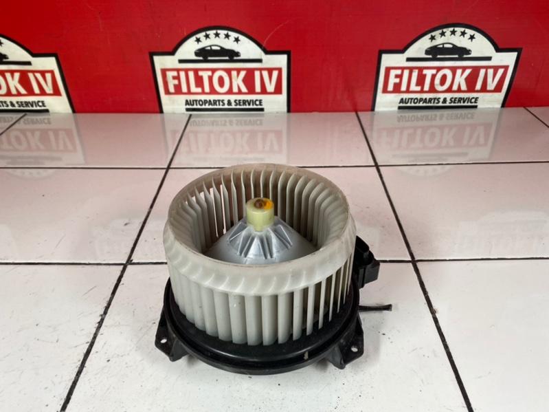 Мотор печки Toyota Belta SCP92 2SZFE 2011