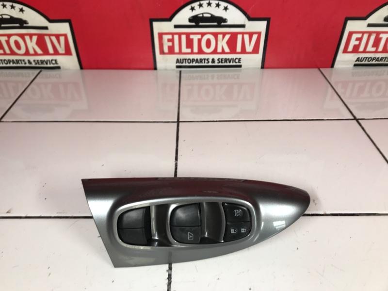 Блок управления стеклоподъемниками Nissan Juke YF15 HR15DE 2011 правый