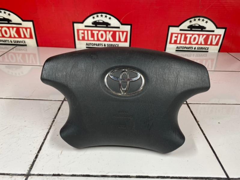 Подушка безопасности водителя Toyota Noah AZR60 1AZFSE 2003