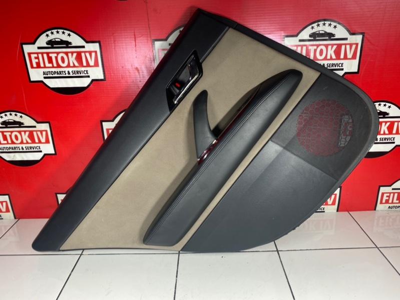 Обшивка двери Toyota Mark X GRX120 4GRFSE 2005 задняя левая