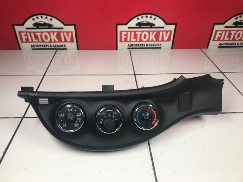 Блок управления климат контролем Toyota Vitz NSP130 1NRFE 2011