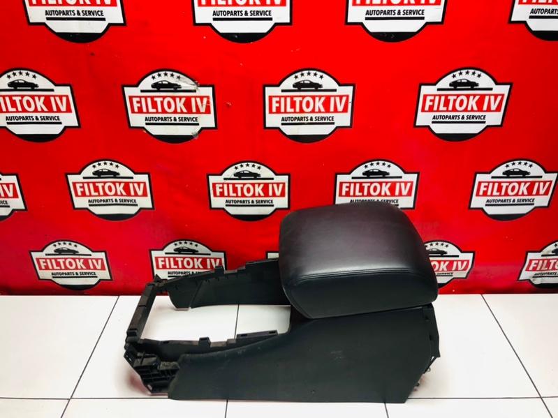 Бардачок между сиденьями Infiniti Qx80 Z62 VK56VD