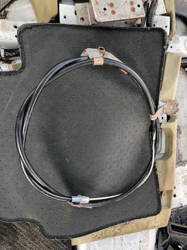 Тросик ручника Infiniti Qx80 Z62 VK56VD