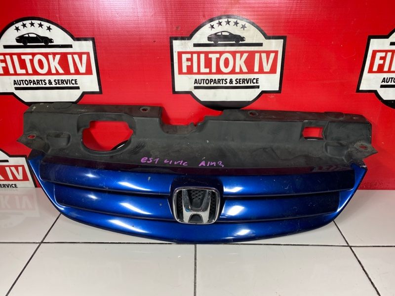 Решетка радиатора Honda Civic ES1 D15B 2000