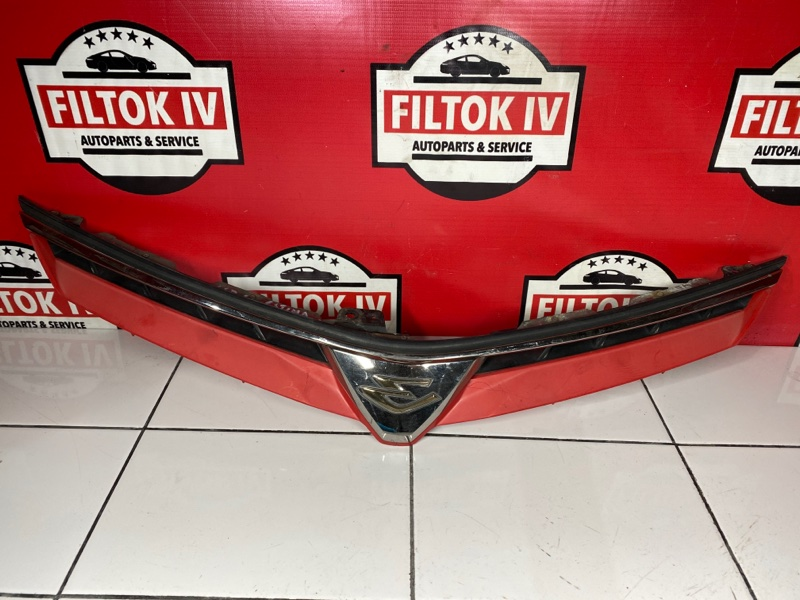 Решетка радиатора Toyota Estima GSR55 2GRFE 2007