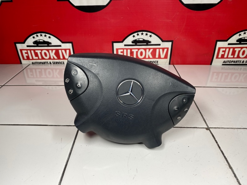 Подушка безопасности водителя Mercedes-Benz E-Class W211 M272E35 2005