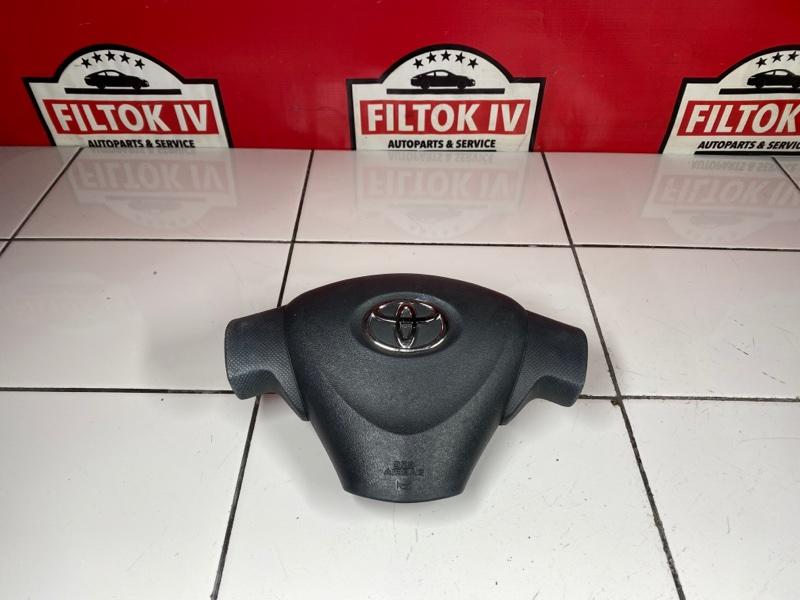 Подушка безопасности водителя Toyota Ractis NCP100 1NZFE 2006
