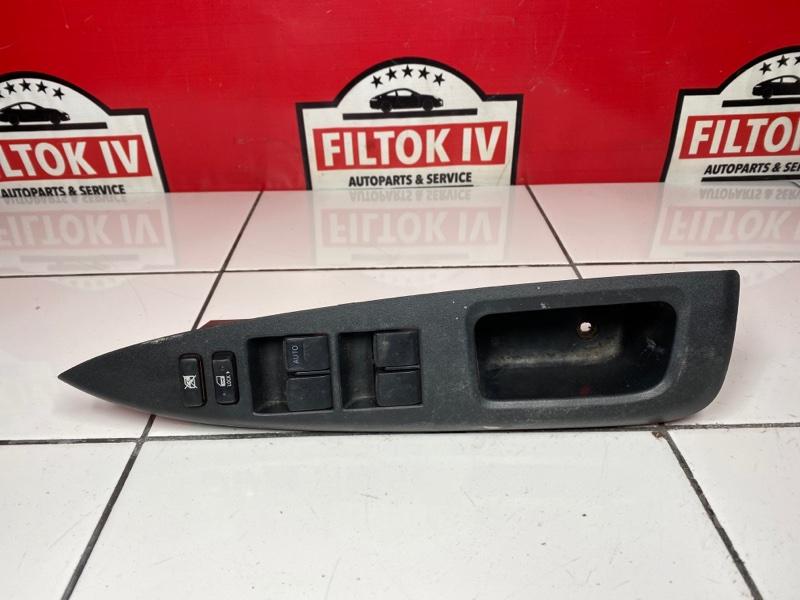 Блок управления стеклоподъемниками Toyota Ractis NCP100 1NZFE 2006 правый