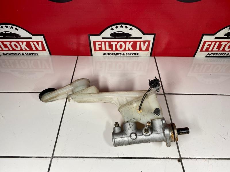 Главный тормозной цилиндр Mazda Premacy CP8W FPDE 2004
