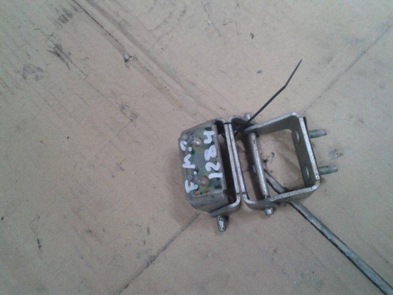 Петля крышки багажника Ford Mondeo 3 CJBB 2001 задняя