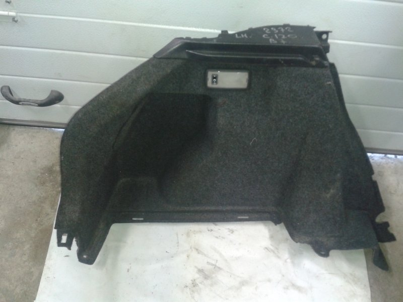 Обшивка багажника Toyota Corolla 120 3ZZ-FE левая
