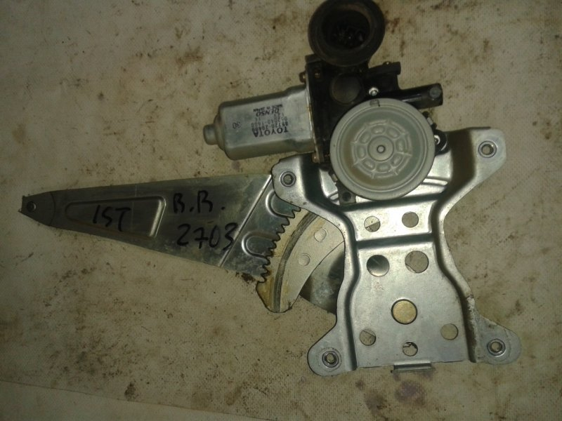Стеклоподъемник Toyota Ist NCP60 2NZ-FE 2003 задний правый