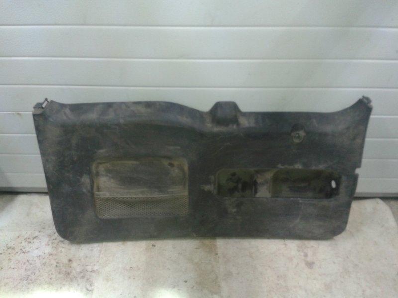 Обшивка крышки багажника Honda Cr-V RD7 2002