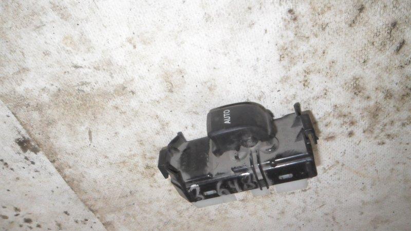 Кнопка стеклоподъемника Toyota Ist NCP60 2NZ-FE 2003