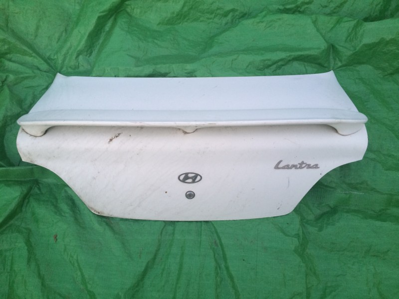 Крышка багажника Hyundai Lantra 1996
