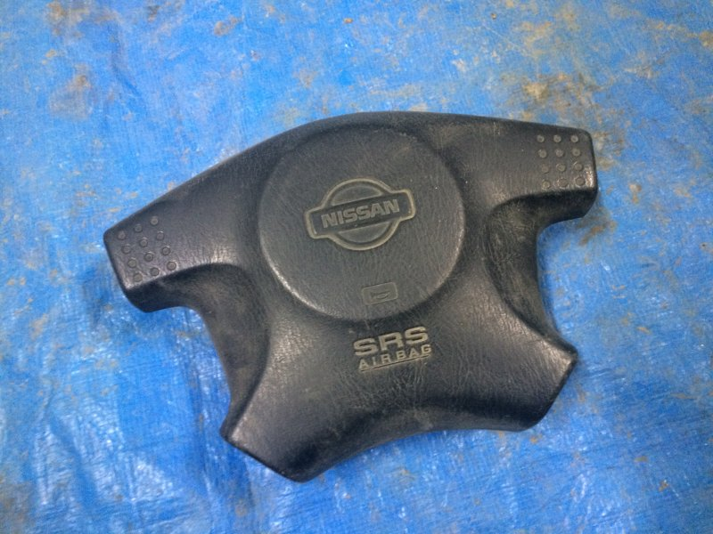Подушка безопасности в руль Nissan Cube Z10 CG13DE 1998