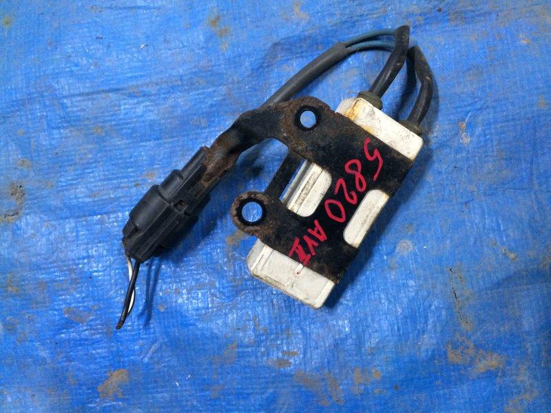 Резистор вентилятора Toyota Avensis ZZT251 1ZZ-FE 2004