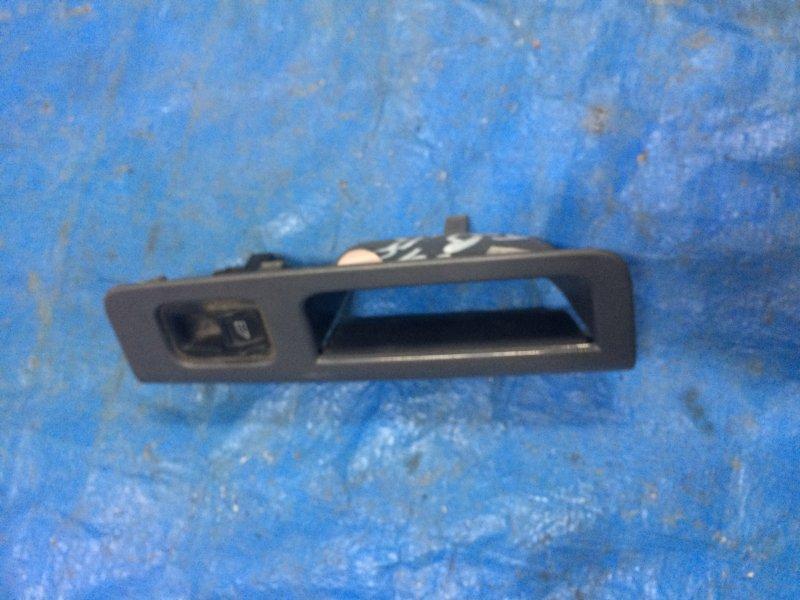 Кнопка стеклоподъемника Volvo S40 B5244S5 (2.4 L.) задняя правая