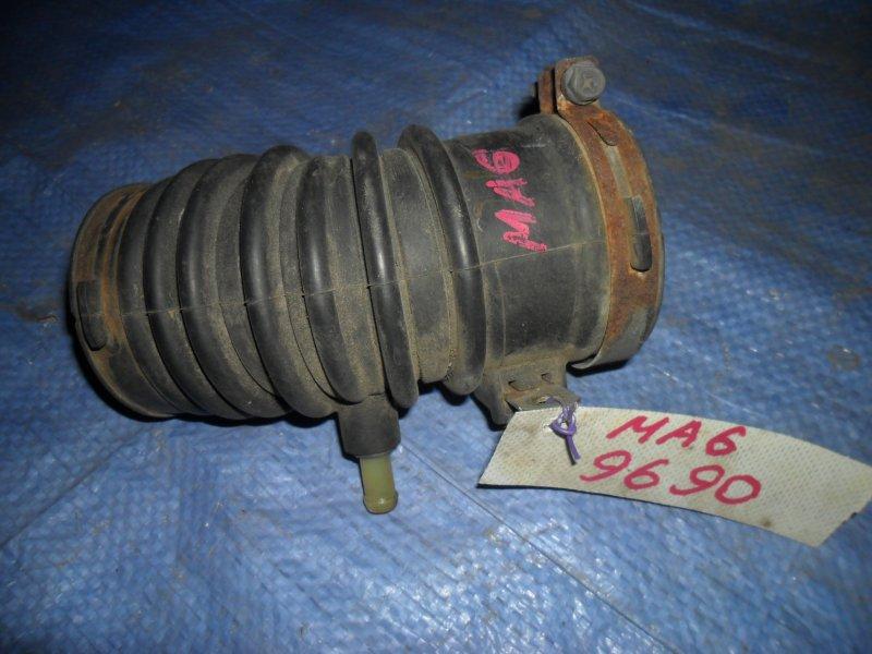 Патрубок воздушного фильтра Mazda 6 GG LF18 2002