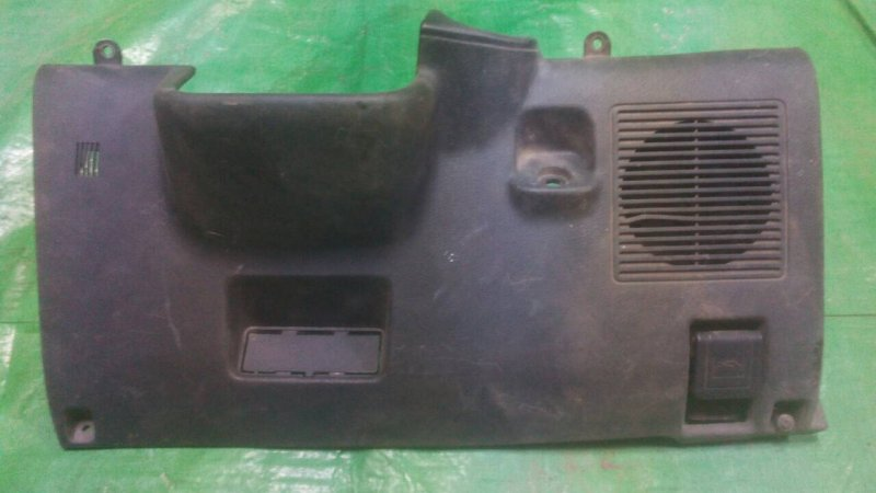 Накладка торпеды Toyota Sprinter Carib AE95 1990 нижняя